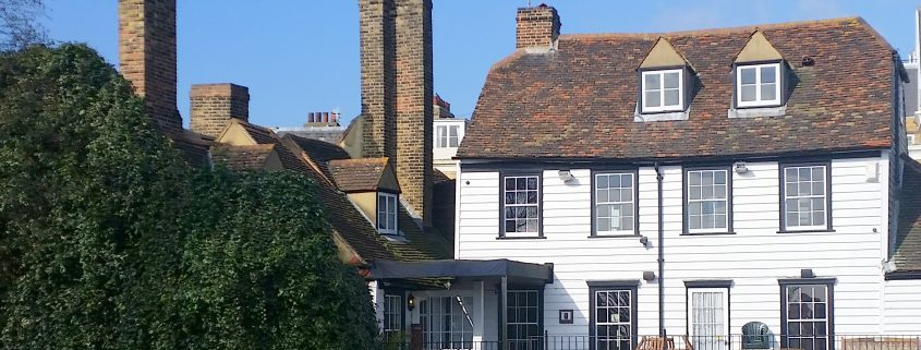 The Three Daws, Gravesend